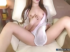 Hot korean girl shows their way perfect body