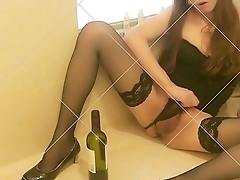 Sissy Asian Crossdresser Mimi Chen Fuck herself with wine bottle